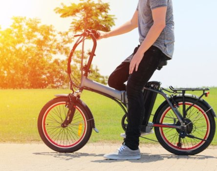 【電動車介紹】瞭解電動機車與電動自行車差異,選擇合適短程代步工具